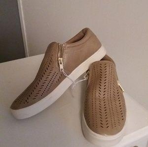 Shoes - Tan flats/slip ons